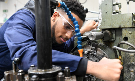 Manufacturing Barometer highlights staff shortages and supply chain pressures